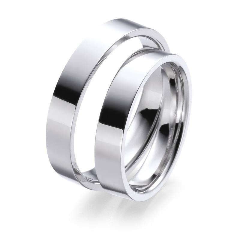 Mestergull Denne ringprofilen er flat utenpå med rette kanter, men innvendig er den buet for å gi god komfort. Her vist i hvitt gull og 4,0 mm bredde. Prisen nedenfor er pr. ring. LYKKERINGENE Eksempel Ring
