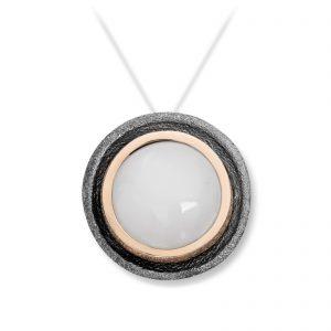 Mestergull Lås i oksidert sølv og gult gull med månesten. Diameter 1,2 cm. VAN BERGEN Luna Lås