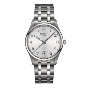 Mestergull En klassisk og elegant klokke som passer til alle anledninger. Denne modellen er designet med elementer som er tidløse og har en tallskive som er lett å lese CERTINA DS-4 Ur
