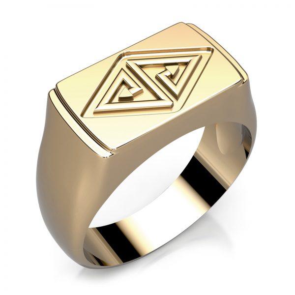 Mestergull Herrering i gult gull utviklet for kunde med familiemerke. Ringen er støpt etter utvikling i vårt designprogram DESIGN STUDIO Spesialdesign Ring