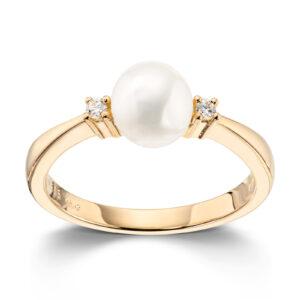 Mestergull Lekker ring i gult gull med 2 diamanter og kulturperle 6-7 mm MESTERGULL Ring