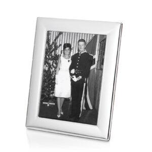 Mestergull Fotoramme i sølv med bakside i mahogny. EIK Ramme