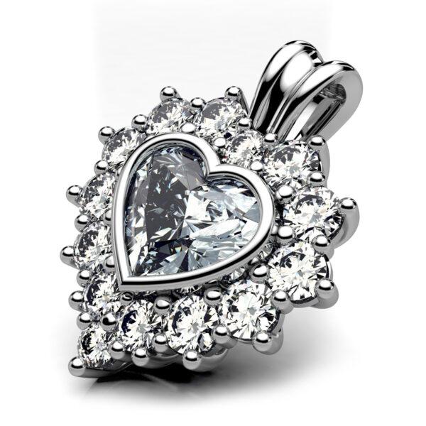 Mestergull Anheng i hvitt gull 585 utviklet for kunde. Hjerteslipt diamant på 0,63 ct. og 14 brillianter er fattet i anhenget. Totalt 1,13 ct. HSi DESIGN STUDIO Spesialdesign Anheng