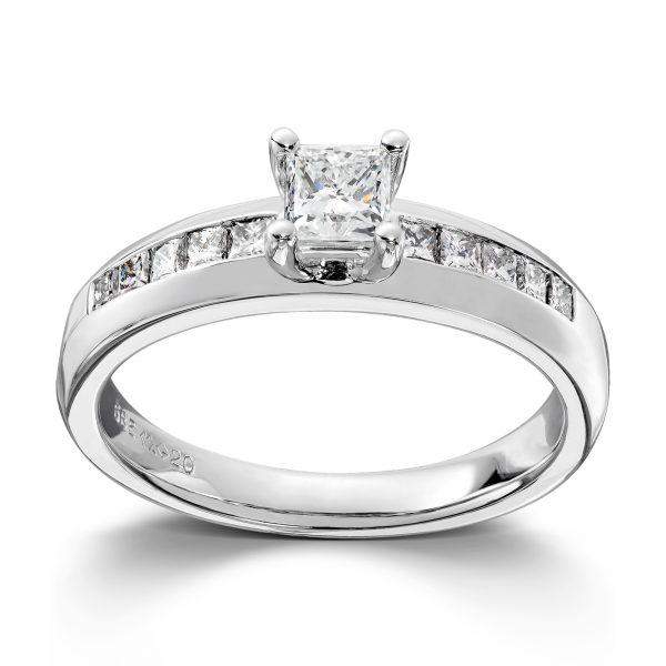 Mestergull Tidløs ring i hvitt gull med princess cut diamanter MG DIAMONDS Ring