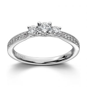 Mestergull Klassisk ring i hvitt gull med 19 diamanter totalt 0,43 ct. HSi MG DIAMONDS Ring