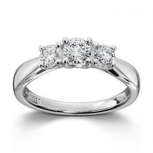 Mestergull Tidløs tre stensring i hvitt gull med diamanter MG DIAMONDS Ring