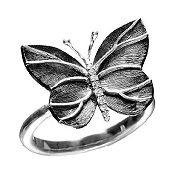 Mestergull Katrine Ring i oksidert sølv med diamant og detaljer i 18 K Gult gull LYNGGAARD Katrine Ring