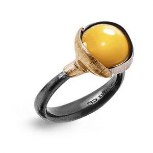 Mestergull Ring Lotus str. 2 i oksidert sølv med blad i 18 K rosé og gult gull - Rutilkvarts LYNGGAARD Lotus Ring