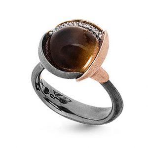 Mestergull Ring Lotus str. 3 i oksidert sølv med blad i 18 K rosé og gult gull - 13 diamanter totalt 0,05 ct. TwVs- Røkkvarts LYNGGAARD Lotus Ring