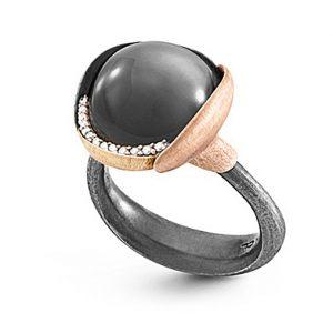 Mestergull Ring Lotus str. 3 i oksidert sølv med blad i 18 K rosé og gult gull - 13 diamanter totalt 0,05 ct. TwVs- Grå månesten LYNGGAARD Lotus Ring