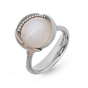 Mestergull Ring Lotus str. 3 i 18 K Hvitt gull rhodinert og urhodinert -13 diamanter totalt 0,05 ct. TwVs - Hvit månesten LYNGGAARD Lotus Ring