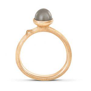 Mestergull Ring Lotus str. 0 i 18 K Gult gull med grå månesten LYNGGAARD Lotus Ring