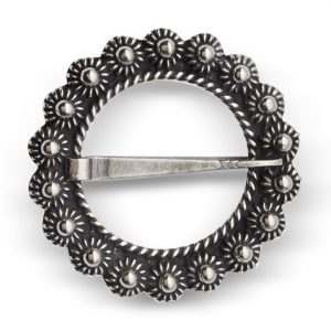 Mestergull Halsring i osidert sølv. NORSK BUNADSØLV Halsknapp