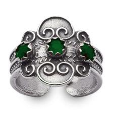 Mestergull Bunadsring i oksidert sølv med tradisjonsrikt filigransarbeid. Ringen er regulerbar og passer alle størrelser. NORSK BUNADSØLV Ring