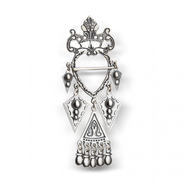 Mestergull Flott hjertesølje laget i oksidert sølv NORSK BUNADSØLV Sølje