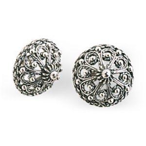 Mestergull Bunadsørepynt i oksidert sølv og rike detaljer. NORSK BUNADSØLV Ørepynt