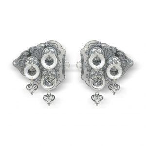 Mestergull Spenne i oksidert sølv med heng NORSK BUNADSØLV Spenne
