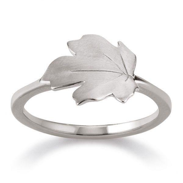 Mestergull Trendy ring i rhodinert sølv med lønneblad VIVENTY Ring