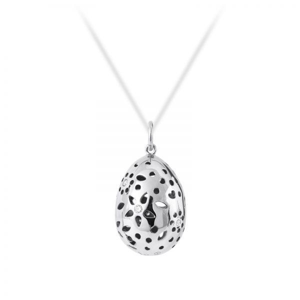 Mestergull Lace Anheng i 18 kt. hvitt gull med 7 diamanter totalt 0,11ct. TwVs LYNGGAARD Lace Anheng