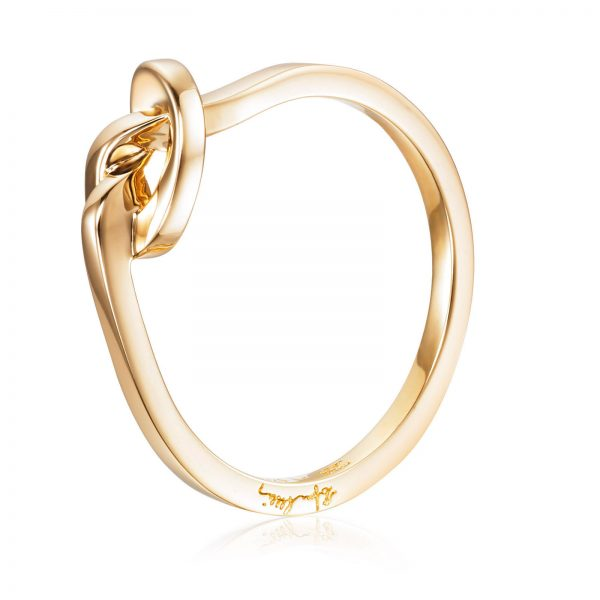 Mestergull A love knot for the hope that we always keep together. - Efva Attling EFVA ATTLING Love Knot Ring