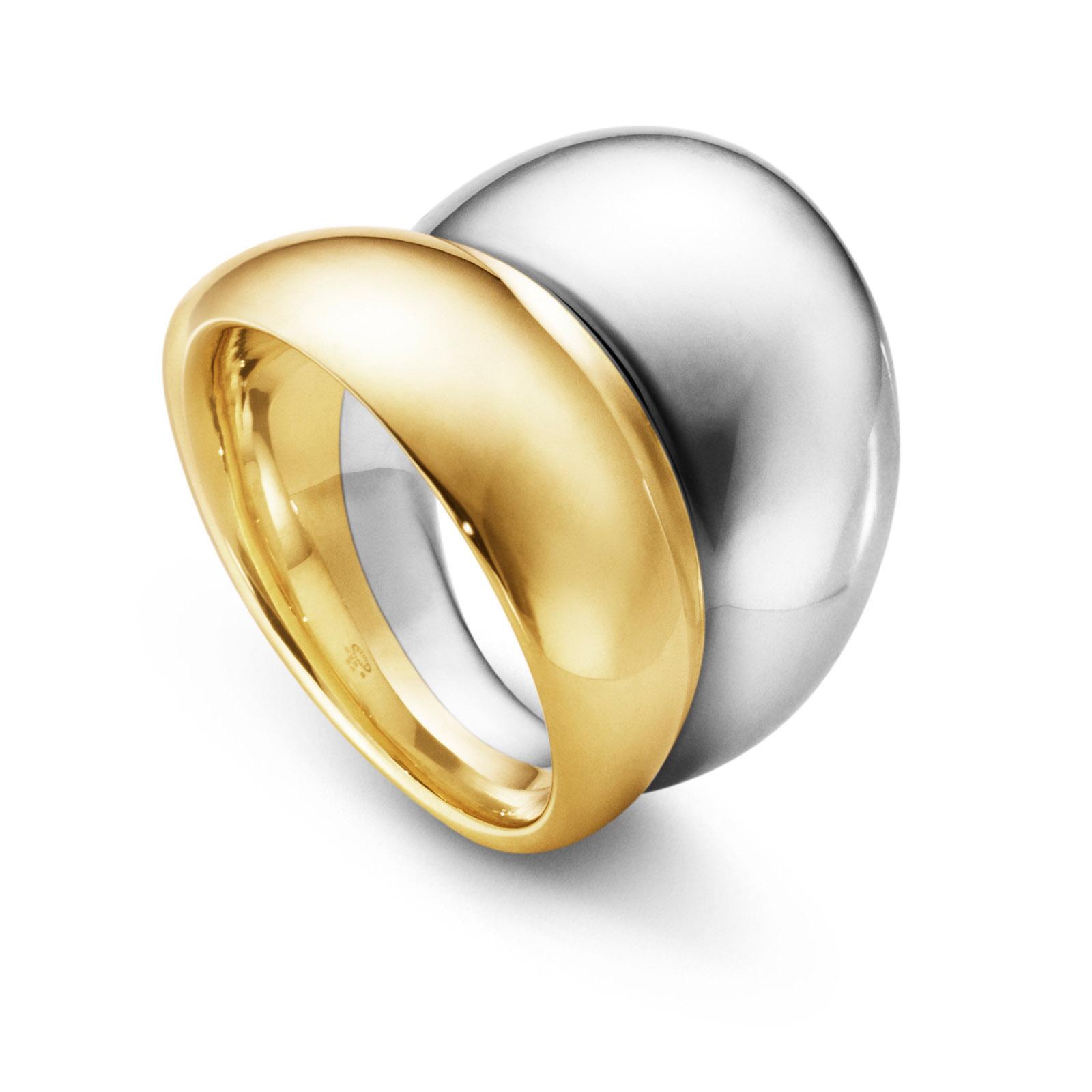 Mestergull Curve ring i gult gull og sølv - det perfekte uttrykket til to kurver, en i sølv og den andre i gult gull GEORG JENSEN Curve Ring