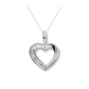 Mestergull Elegant hjerteanheng i hvit gull med diamanter MESTERGULL Anheng