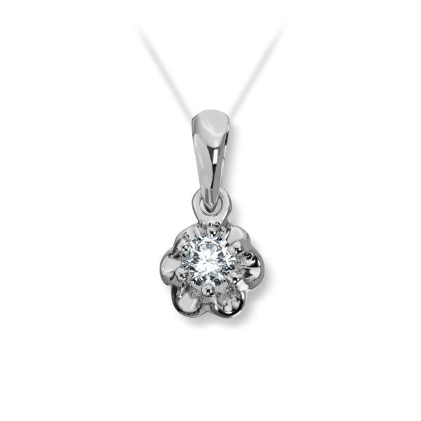 Mestergull Prinsesse er et klassisk enstens design med en elegant blondefatning i gult eller hvitt gull. I serien finnes matchende ring, anheng og ørepynt med diamanter i størrelse fra 0,03 ct. til 0,25 ct. Større størrelser spesiallages på vårt verksted. PRINSESSE Anheng