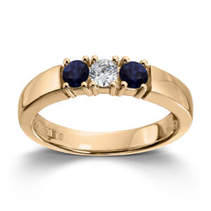 Mestergull Vår Allianse ring har siden 1992 vært en av de mest klassiske diamantringene i landet. Allianse lar deg bygge på med nye stener for hver ny anledning. ALLIANSE Saf./Dia. 0,15 ct. Ring