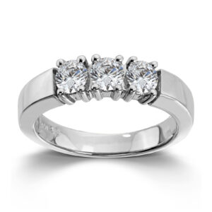Mestergull Vår Allianse ring har siden 1992 vært en av de mest klassiske diamantringene i landet. Allianse lar deg bygge på med nye stener for hver ny anledning. ALLIANSE Dia. 0,25 ct. Ring