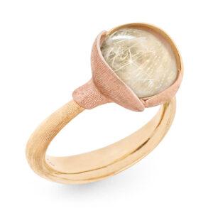 Mestergull Lotus ring str. 2 i 18 kt. gult gull med to blad i rosé gull - Rutilkvarts LYNGGAARD Lotus Ring