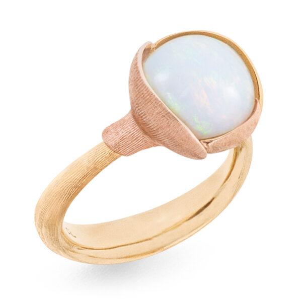 Mestergull Ring Lotus str. 2 i 18 K Gult gull med to blad i rosé gull - Hvit Opal LYNGGAARD Lotus Ring