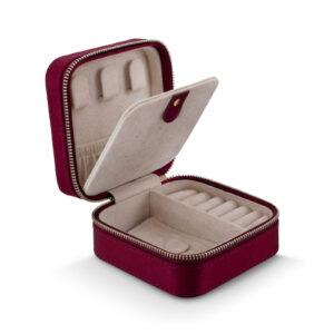 Mestergull Flott smykkeskrin med glidelås i 100% silke burgunder LYNGGAARD Smykkeskrin