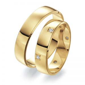 Mestergull Bruk av diamanter som element i designet er spennende og har uante muligheter. Her et eksempel fra Lykkeringenes profil 7 med asymmetrisk fatting på kanten av dameringen. Prisen nedenfor er pr. ring uten diamanter. LYKKERINGENE Eksempel Ring