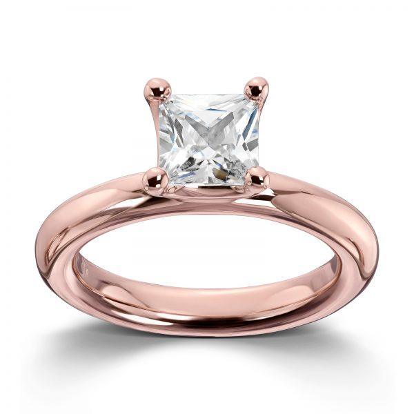 Mestergull Roseforgylt sølv ring med hvit cubic zirkonia. Denne er fin i kombinasjon med flere ringer fra GID Stackable GID Stackable Ring