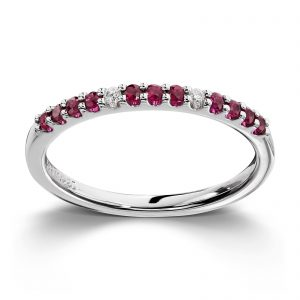 Mestergull Enkel hvittgullsring med diamanter og rubiner MG DIAMONDS Ring