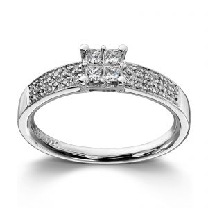 Mestergull Stram og elegant ring i hvitt gull med diamanter i prinsesseslip MG DIAMONDS Ring