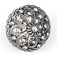 Mestergull Rikt dekorert bunadsknapp i oksidert sølv. NORSK BUNADSØLV Knapp