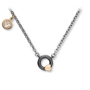 Mestergull Lite sirkel anheng i oksidert sølv med gult gull hjerte og stål kjede. Diameter på anheng 0,9 cm. VAN BERGEN Silver Heart Anheng