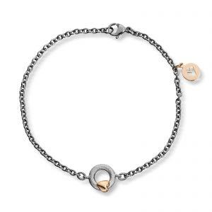 Mestergull Tynt stålarmbånd med sølv sirkel og gult gull hjerte. Diameter på sirkel 0,9 cm. VAN BERGEN Silver Heart Armbånd