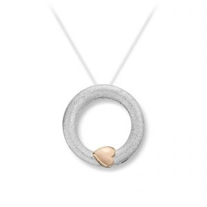 Mestergull Liten sirkellås i sølv med gult gull hjerte. Diameter 1,8 cn VAN BERGEN Silver Heart Lås