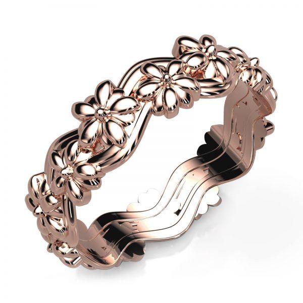 Mestergull Ring i rosé gull 585 med blomstermotiv etter kundens skisser. Ringen er utført massiv og innvendig avrundet for god komfort DESIGN STUDIO Spesialdesign Ring