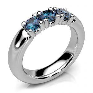 Mestergull Spesialdesignet ring i hvitt gull 585 med 3 safirer. Ringen er utført i størrelse 54 med kraftig massiv skinne DESIGN STUDIO Spesialdesign Ring