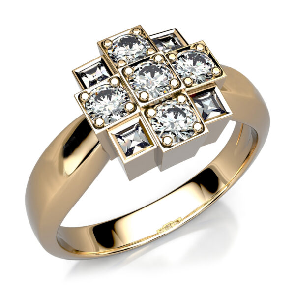 Mestergull Ring i gult gull 585 utviklet for kunde. Diamanter med affeksjonsverdi fra gamle ringer er gjenbrukt DESIGN STUDIO Spesialdesign Ring