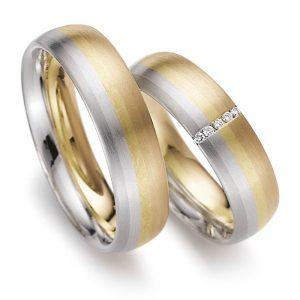 Mestergull Et unikum av en ring og Lykkeringene er den eneste som kan kombinere inntil 5 edle metaller i samme ring. I disse ringene er det brukt rødt, rosè, gult og platina samt hvitt gull. Prisen nedenfor er pr. ring uten diamanter. LYKKERINGENE Eksempel Ring