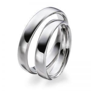 Mestergull Klassiske ringer i hvitt gull i profil 4. Høyglanspolert hvitt gull er sart og elegant - en av bestselgerne i det norske markedet. Prisen nedenfor er pr. ring. LYKKERINGENE Eksempel Ring
