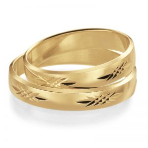 Mestergull Mønster kan skjæres med diamantverktøy med mange forskjellige design. Her vist i gult gull med stjernemønster. Prisen nedenfor er pr. ring. LYKKERINGENE Eksempel Ring