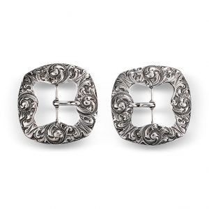 Mestergull Kne- og vestspenne i oksidert sølv. NORSK BUNADSØLV Spenne
