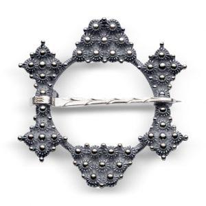 Mestergull Halsring i oksidert sølv NORSK BUNADSØLV Sølje