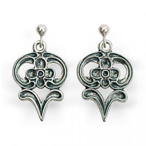 Mestergull Ørepynt i oksidert sølv spesielt utviklet til Østerdal- og Hedmarksbunad. NORSK BUNADSØLV Ørepynt
