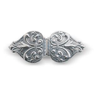 Mestergull Capespenne til Vestfoldbunaden i oksidert sølv. NORSK BUNADSØLV Spenne